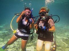 Pose (DivePhoto) Tags: kh daughter ml scuba divers