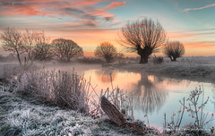 A Winters Morning on the Stour (Paul Smith BPE2* - www.pdsdigital.co.uk) Tags: nature landscape waterscape river sunrise dawn frost mist trees
