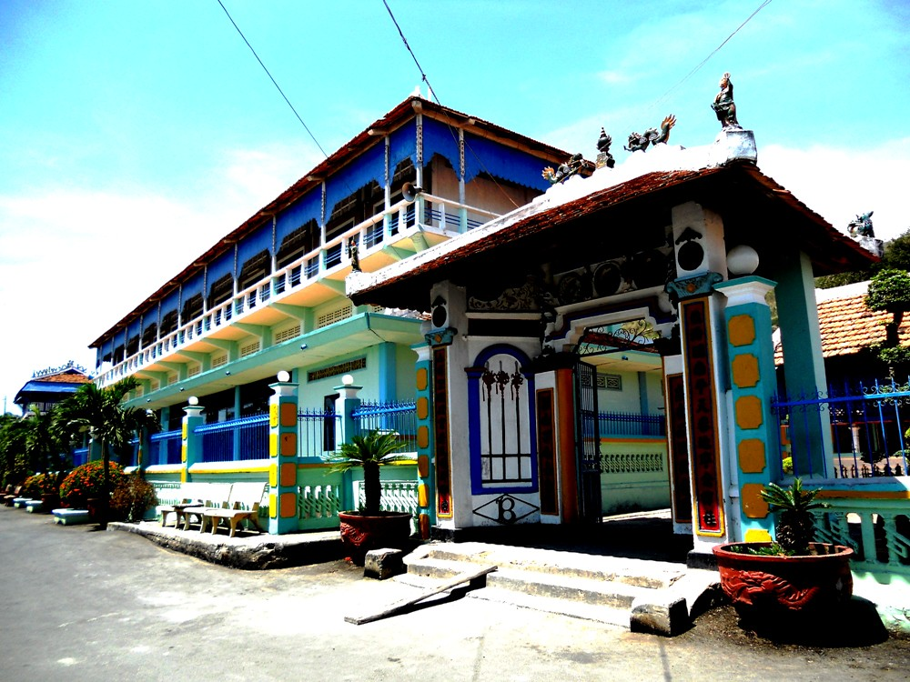 nhà Lớn Long Sơn