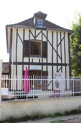Poses - Maison de Polin (Philippe Aubry) Tags: normandie eure valledelaseine poses colombages polin comiquetroupier paulmarsals