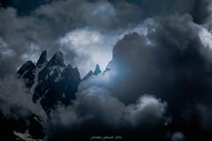 Blue Storm (Frdric Fossard) Tags: paysage montagne brume cimes orage tempte aiguillesdechamonix massifdumontblanc alpes hautesavoie atmosphre dramatique lumire ombre sombre tnbres crtes artes blaitire glacier aiguillesrocheuses chamonix ngc