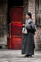 Labrang Monastery (Redust) Tags: china gannan tibetan woman smile lamureng monastry xiahe religion buddhism labrtngmonastery