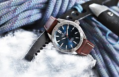Alpina Watches Alpiner 4 Automatic with glacier blue dial ref. AL-525NS5AQ6 (Alpina Watches) Tags: alpina watch watches alpiner alpinerfour four alpinist outdoor glacier blue timekeeping time antimagnetic antishock al525ns5aq6 switzerland swiss made luxury automatic geneva climber climbing