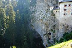 Castell de Predjama (4) / Karst / Eslovenia / Slovenia (Ull mgic) Tags: predjama karst eslovenia slovenia castell castillo castle natura naturaleza nature roques bosc bosque cova cueva fuji xt1