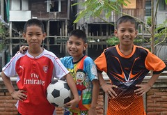 boys with soccer ball (the foreign photographer - ) Tags: sep112016nikon three boys soccer ball khlong lard phrao portraits bangkhen bangkok thailand nikon d3200
