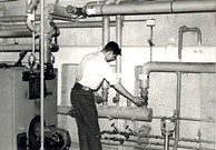 Anglų lietuvių žodynas. Žodis central heating reiškia centrinis šildymas lietuviškai.
