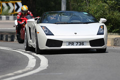 Lamborghini, Gallardo, Spyder, Shek O, Hong Kong (Daryl Chapman Photography) Tags: pr736 lamborghini gallardo smd sheko thumbsup 998s ducati hongkong china sar canon 5d mkiii 70200l is ii f28 car cars auto autos automobile motor motors motorcar road roads drive driver flickr darylchapman power engine door doors window windows carspotting camera tax money ride rides great cool lights mirrors photo photos photographer dslr buy sale fast quick colour move asia horsepower vehicle value worldcars