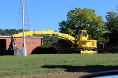 Excavator (Koehring) With Clam Scoop (Young), North Bellaire/South Wheeling, OH. (Rogar49) Tags: ohio young bellaire excavator koehring