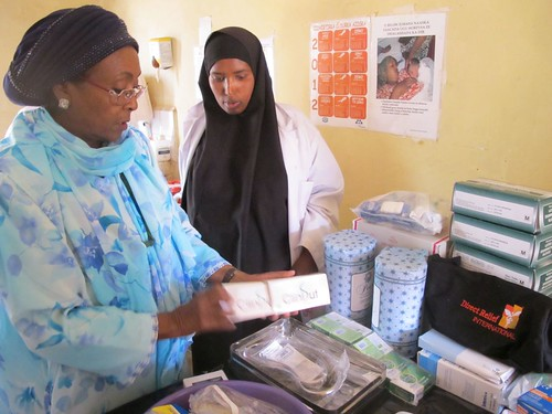 Edna Adan Showing Sado the Midwife Kit