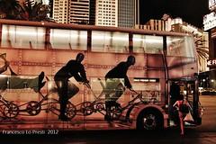 ruote a Las Vegas (Francesco Lo Presti) Tags: california street city usa bus night america strada lasvegas nevada via states notte citt gioco scatti servizio pulman casin peolple trasporto americadelnord lasvegasbynight mezzoditrasporto francescolopresti