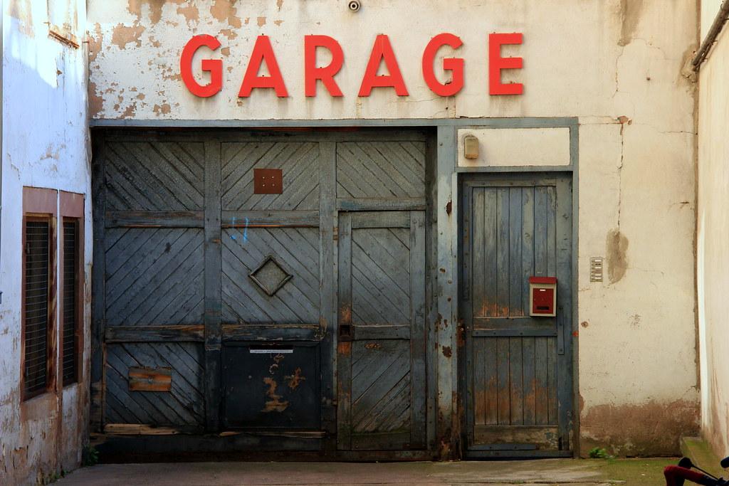 Garage by EladeManu, on Flickr