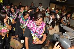 DSC_0031 (Hawaii Pacific University) Tags: people homecoming ppl nationalchampions 2010 cameramen honoluluinternationalairport hpusoftball ladyseawarriors