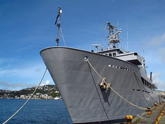 HMNZS Resolution, Wellington Harbour 01-04-2012 14-49-02 (Mark in New Zealand) Tags: ship rope nz wellington rnzn