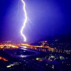 A thunder night in hong kong during midnight #lighting #lightening #thunder #thunderstorm #rain #rainy #hk #fujifilm #wet #midnight (CCK_CHAN) Tags: lighting lightening thunder thunderstorm rain rainy hk fujifilm wet midnight