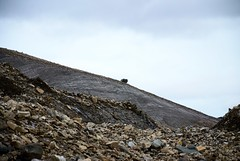 Svalbard 2016 (archegonus) Tags: svalbard spitzbergen spitsbergen spitzberg spicbergen gletscher toteis ddis ddis muninbreen glacier glacera glaciero glaero glaciar glacir gletscherlandschaft geomorphologie glazialmorphologie glaziallandschaft glaziale serie morne endmorne moraine ndmorn endmoraine ice landscape schotter