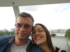 _2014_06_20_18_02_22 (Ricardo Jurczyk Pinheiro) Tags: charingcross inglaterra londoneye londres mariaclã¡udia ricardo riotã¢misa ponte rio rodagigante selfie trem mariacláudia riotâmisa