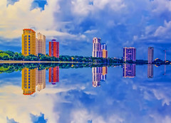 Residential architecture of the city of Tampa, Florida, U.S.A. (Jorge Marco Molina) Tags: tampa florida usa sunshinestate urban downtown skylineview residential condominium highrise building density tampabay metropolitan metro metropolis cosmopolitan commercialproperty cityscape hillsboroughcounty skyscraper architecture reflection clouds