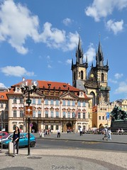 Prague : Church of Our Lady before Tn  ( Kostel Matky Bo ped Tnem )  2/2 (Pantchoa) Tags: church nikon republic prague prag praha praga nikkor oldtown kostel rawfile tn matky tnem d90 czeck ped bo pantchoa 1685f3556gedvr