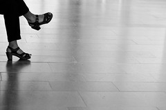 In every direction (pedda11) Tags: blackandwhite bw feet streetphotography leicam8 canonltm5014