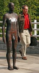 Antony Gormley - Event Horizon - London 2007 (stevedexteruk) Tags: london statue nude photography horizon event antony gormley steet