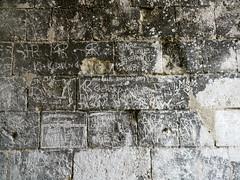Château de Gramont, Bidache, Pyrénées Atlantiques (Marie-Hélène Cingal) Tags: france castle graffiti des 64 castello château castel pyrénées paysbasque traité aquitaine pyrénéesatlantiques mazarin bassenavarre bidache corisande bidaxune bidàishen ducsdegramont gramonr dianedandoins antoineiii