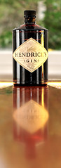 hendrick's gin (Andrew Sampson (andrewtakeslotsofphotos) on insta) Tags: reflection kew bottle nikon bokeh flash 85mm gin hendricks sb700