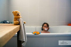 Bath Time !! [Explore] (Jo*DNo) Tags: baby game children kid focus bath bain enfant bb jeux dtails
