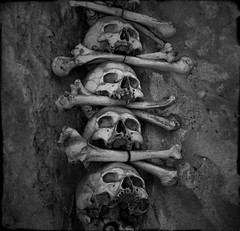 Kostnice (sole) Tags: square dead death zwartwit ominous surreal spooky squareformat bones czechrepublic ossarium spookie carmengonzalez zwartwitfotografie spookiestuff carmengonzalezintense carmengonzalezphotography