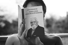 Ogni cosa alla sua stagione (~ielle~ ilarialuciani.com) Tags: blackandwhite bw reading book hands libro mani bn biancoenero massi leggere toread letture enzobianchi ilarialuciani ognicosaallasuastagione