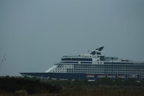 Depuis la Route du Port - Paquebot Celebrity Constellation au Port de Bordeaux / Le Verdon - 06 octobre 2012