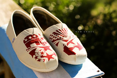 Day 127 - 365 New Shoes (lukethephotographer) Tags: new light red sun sunlight 3 elephant sunshine photoshop canon project lens stars photography eos 50mm star photo cool shoes day photographer dof bokeh stripes flag awesome 4 luke picasa adobe ledge porch 7d conservative 365 usm toms republican lightroom 12l f12l lukethephotographer