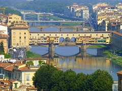 Ponte Vecchio, Florence (Frans.Sellies (off for a while)) Tags: italien bridge italy heritage church geotagged florence italia cathedral unescoworldheritagesite unesco worldheritagesite firenze duomo toscana michelangelo toscane renaissance unescoworldheritage italie pontevecchio worldheritage florenz weltkulturerbe whs toskana florens patrimonio worldheritagelist welterbe kulturerbe patrimoniodelahumanidad heritagesite unescowhs patrimoinemondial werelderfgoed vrldsarv  heritagelist  werelderfgoedlijst verdensarven    p1010193       blinkagain geo:lat=4376743829815786 geo:lon=11254266240258858