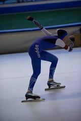 A37W7016 (rieshug 1) Tags: speedskating schaatsen eisschnelllauf skating nkjunioren knsb nkjuniorenallroundafstanden afstanden allround 50010001500massstart demeent alkmaar sportcomplexdemeent juniorenc ladies dames 500m