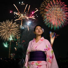 Young woman standing in fireworks show (Apricot Cafe) Tags: canonef1635mmf28liiusm japan katsushika katsushikafireworks shibamata tokyo colors festival fireworks night outdoors standing summer traditionalclothes traditionalfestival woman yukata katsushikaku tkyto jp