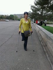 amp-1126 (vsmrn) Tags: amputee women crutches onelegged