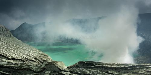 Lake in the caldera - Ijen East Java _MG_7649