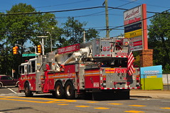 FDNY Tower Ladder 87 (Triborough) Tags: ny nyc newyork newyorkcity richmondcounty statenisland newspringville fdny newyorkcityfiredepartment firetruck fireengine ladder towerladder ladder87 towerladder87 seagrave
