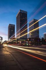 20160815-_SNE3134 (Sascha Neuroth) Tags: blauestunde hamburg mundsburg nikonafsnikkor1835mm13545ged nikond610 saschaneuroth sonnenuntergang skyscraber hochhaus wolkenkratzer bus lichtspuren verkehr strase architektur sunset