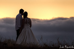 Wedding Days (Juan Figueirido) Tags: boda wedding novios noivos bride groom sunset love romance romantic romanticsunset clouds nubes namorados parella pareja couple