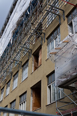 Suomen Trikoo 09/2016 (location: unknown) Tags: buildings deconstruction demolition europe finland living places purkaminen rakennustelineet scaffoldings tampere tampereenpuolari underconstruction