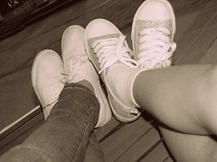 (mapi-mapi) Tags: life family cute love fun shoes sister sisterhood keds
