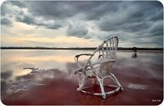 La Espera ... (Legi.) Tags: longexposure sunset clouds atardecer rojo nikon cloudy salinas nubes nublado torrevieja largaexposición d5100