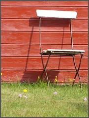 setz Dich und geniee (Don Bello - Photography) Tags: balticsea ostsee garten mecklenburgvorpommern norddeutschland northerngermany inselhiddensee vitte lumixphotographer panasonicphotographer panasonicfz150 lumixfz150 donbellophotography