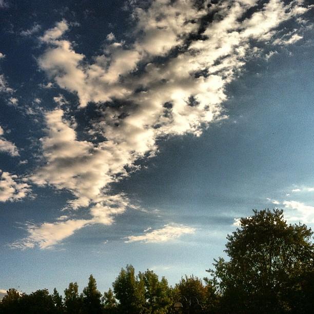 Rimani sempre così, come oggi, brutto cielo di Milano!