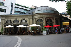 Lucerne - Alpineum Museum & Restaurant Denkmalstrasse (Le Monde1) Tags: museum restaurant switzerland town nikon luzern altstadt lucerne canton vierwaldstättersee swissalps lakelucerne d60 riverreuss denkmalstrasse alpineum lemonde1
