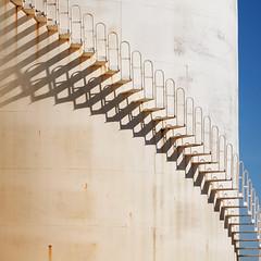 Ombre che salgono (invitojazz) Tags: stairs nikon stair shadows ombre silos gradini d90 iceboxcool invitojazz vitopaladini