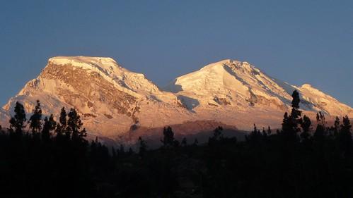 Huascarán Norte y Sur (6655m & 6768m) al Atardecer