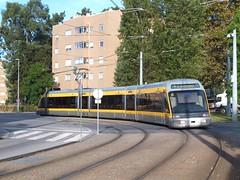Metro do Porto 034 Vasco da Gama (Guy Arab UF) Tags: light portugal underground avenida do metro tram rail porto da outlook tramway vasco gama bombadier 034 eurotram flexity