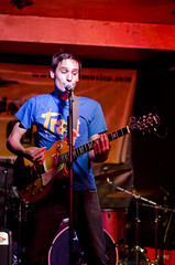 Trast (La Bote - 06/10/12) (Joan G.G.) Tags: music concert live ska loco sala catalunya msica amarilla jove catalana boite bote lleida mondo directe trast mndo