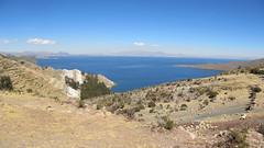 "Lac Titicaca: la roche se colore sur l'Isla del Sol <a style=""margin-left:10px; font-size:0.8em;"" href=""http://www.flickr.com/photos/127723101@N04/27984066553/"" target=""_blank"">@flickr</a>"
